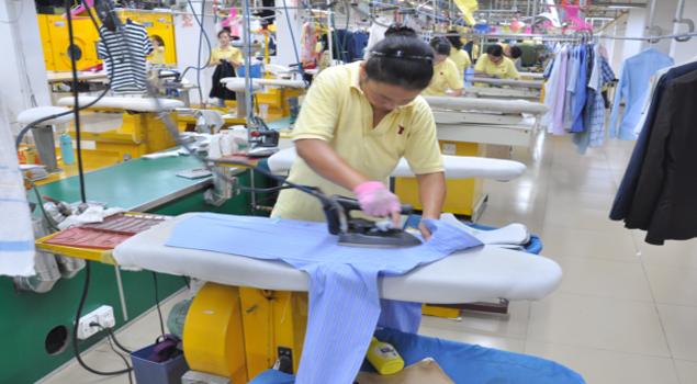 服装熨烫厂定制蒸汽发生器提高生产工艺流程效率