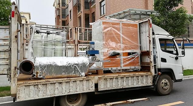 安徽0.2T双内胆燃气蒸汽发生器发货了,自带节能装置,配备了软水处理器
